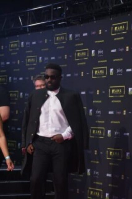 60258-sarkodie-mtv-mama-2016-red-carpet-photos-042express-com-1 MTV Africa Music Awards 2016 - All The Celebrities Pictures From Red Carpet