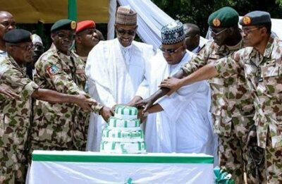 drvghqpxcaa2r7j - President Buhari's Birthday Cake Vs Nigeria's Independence Cake. Nigerians React (Pics)
