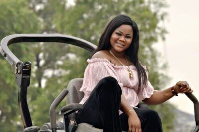 51614fe9 de19 49c5 9274 3c2d2b1dcbdf - Valerie Ifidon In Stunning New Birthday Photos; 21 Things You Should Know About Her