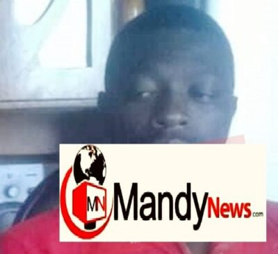 joseph mapfumo - Zimbabwe Policeman Caught Having Sex With Married Workmate In Car (Photos)