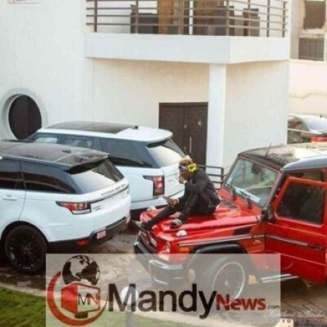 shattawalenima-20190112-0001-464x464 Shatta Wale Shows Off His Luxurious Cars In A Latest Photos