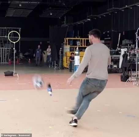 8715825 20190209074302 jpeg23ff227b7027466e80656800bab39d4e45381102 - Lionel Messi Produces Amazing Bottle Flip In New Pepsi Advert (Photos, Video)