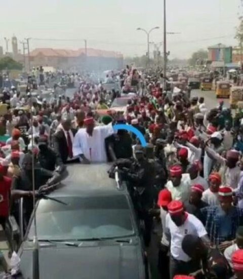 8727025_20190210155612_jpeg1d5622a3429e0768e1f51862b80942ec-1279949416 Kwankwaso Mobbed With Shouts Of 'Kwankwasiya' As He Campaigns In Kano (Photos)