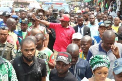 8735886_peter1_jpg47a18a7427204f20369602aa2341786f437967479 Photos From Peter Obi's Campaign At Ariaria Market, Aba