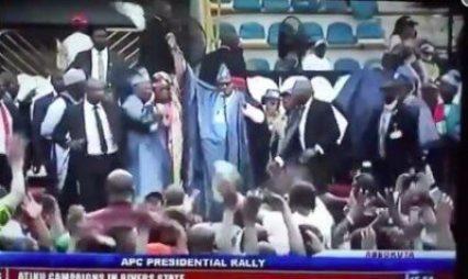 8736966_screenshot20190211at4_23_02pm_jpeg0b3a68d295918b5d89afc2884c9b2c2e1037060798 President Buhari Stoned At APC Ogun Rally (Video)