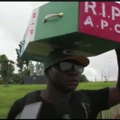 8818179_cymera20190220142032_jpeg3dd2f92fc05c9e922bd0b9cf4eb44250 Man Who Trekked To Celebrate Buhari's Victory, Treks To Abuja With APC Casket