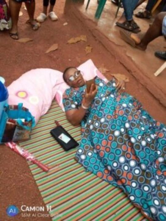 8845389_img20190223122507_jpegb95d8880bc447caebd9c8e52dd2001f0 Nigeria Decides: Woman Brought Mat And Pillow To Polling Unit, Davido Reacts