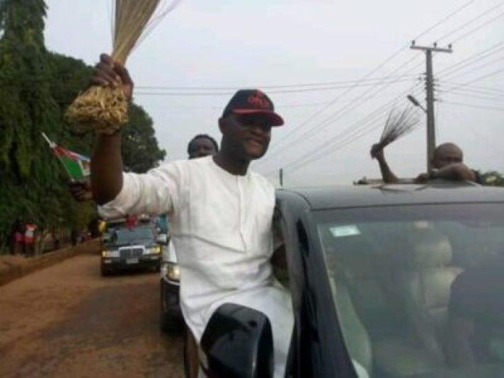 FB_IMG_15510208699504967 Ovia Rejoice, As Hon. Dennis Idahosa Wins Omosede Igbenedion (Photos)
