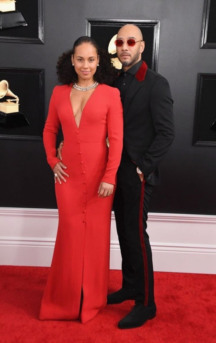 alicia-keys-and-swizz-beatz-attends-the-61st-annual-grammy-news-photo-1097515350-1549843563270526819 All Grammys 2019 Red Carpet Celebrity Dresses & Looks (Photos)