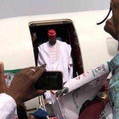 dzccew_x0aa1sz01460919205 Atiku Arrives In Kano For Campaign Rally (photos)