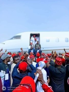 dzcidh9w0ae5zrw1910623996 Atiku Arrives In Kano For Campaign Rally (photos)