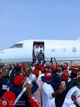 dzcifz4wsaecpzv496151167 Atiku Arrives In Kano For Campaign Rally (photos)