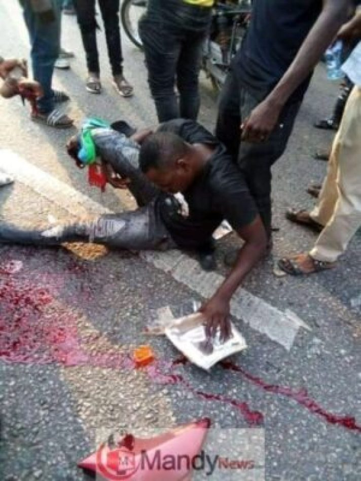 fb_img_154923921323781731221584133 Bus Crushes A Man's Leg In Ogun State (Viewers' Discretion Advised)