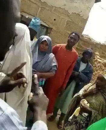 rJBIbCKx EKO7WQX 352x430 - APC Caught Sharing Money To Northerners To Vote (Video)