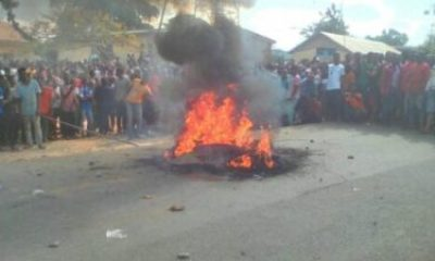 Thief Dragged Out Of Police Station, Burnt To Loss of life By Mob Over Homicide (Pictures)