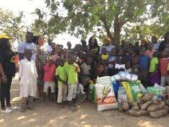 D2qLvrvXgAEs79v - Over 150 Children Stranded As FCDA Demolished Orphanage Home In Abuja (Video)