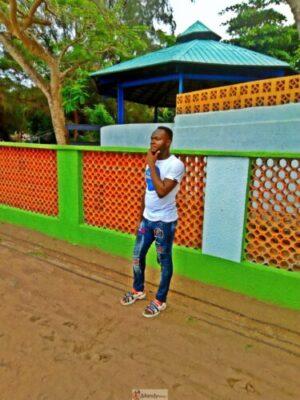 1555017765043 768x1024 - Collins WeGlobe: My Visit To Tarkwa Bay Beach In Lagos, Nigeria (Photos)
