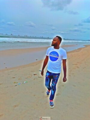1555018044233 768x1024 - Collins WeGlobe: My Visit To Tarkwa Bay Beach In Lagos, Nigeria (Photos)