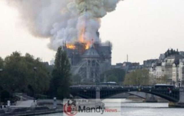 1555350511_000_1FO1M2 Fire Breaks Out At Notre-Dame Cathedral In Paris (Photos)
