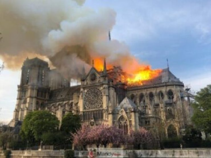 D4NrNo7W0AU78Au-1024x768 Fire Breaks Out At Notre-Dame Cathedral In Paris (Photos)
