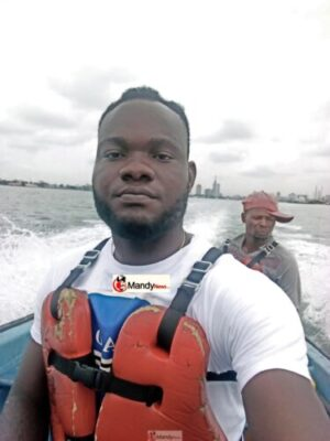 IMG 20190411 151342 768x1024 - Collins WeGlobe: My Visit To Tarkwa Bay Beach In Lagos, Nigeria (Photos)
