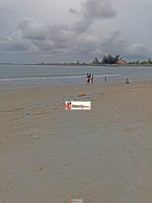 IMG 20190411 163908 768x1024 - Collins WeGlobe: My Visit To Tarkwa Bay Beach In Lagos, Nigeria (Photos)