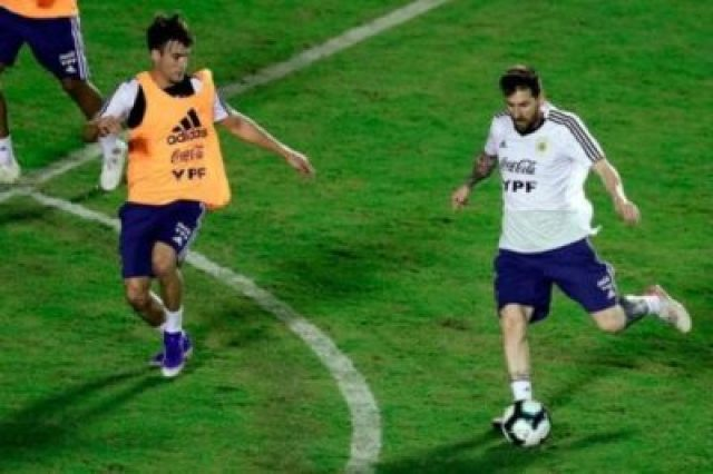 977400-01-05 Lionel Messi And Argentina Train Before Copa America Opener (Photos, Video)