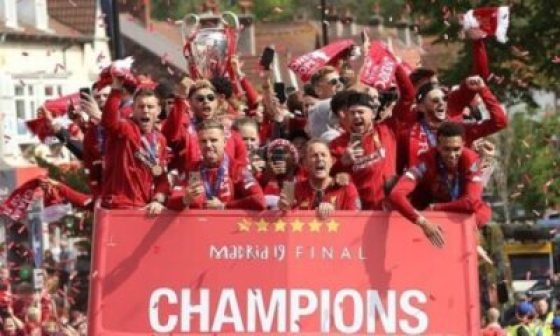 Liverpool FC Champions League Victory Parade (Photos)