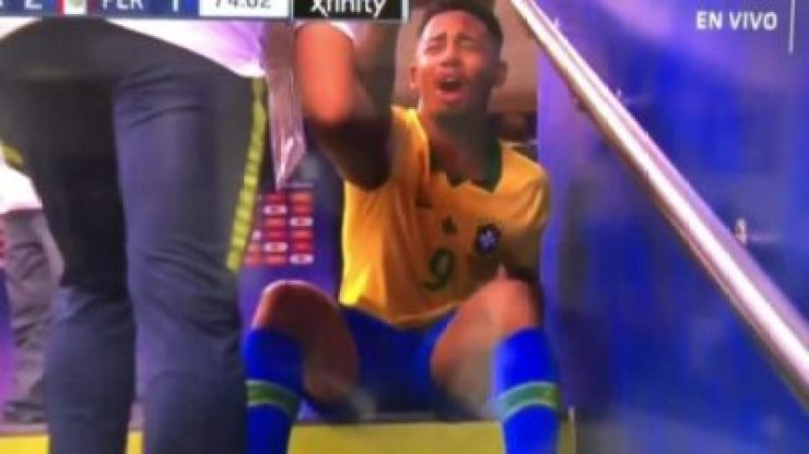 NINTCHDBPICT000503810850 Gabriel Jesus In Tears As He's Sent Off In The #CopaAmerica (Video)