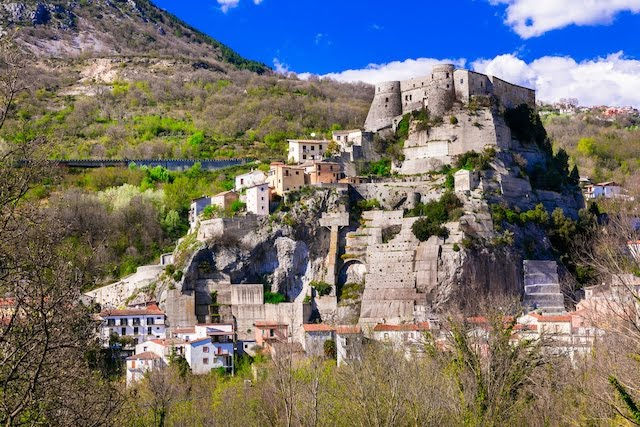825d76bcc3244060324ad57a8d132e418907fd7632582606dba4b48d4430993d 1 - How To Apply For Molise Italy Immigration, Region Offering People ₦10M