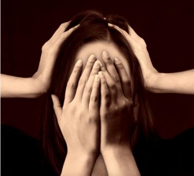 shy-cry-lady