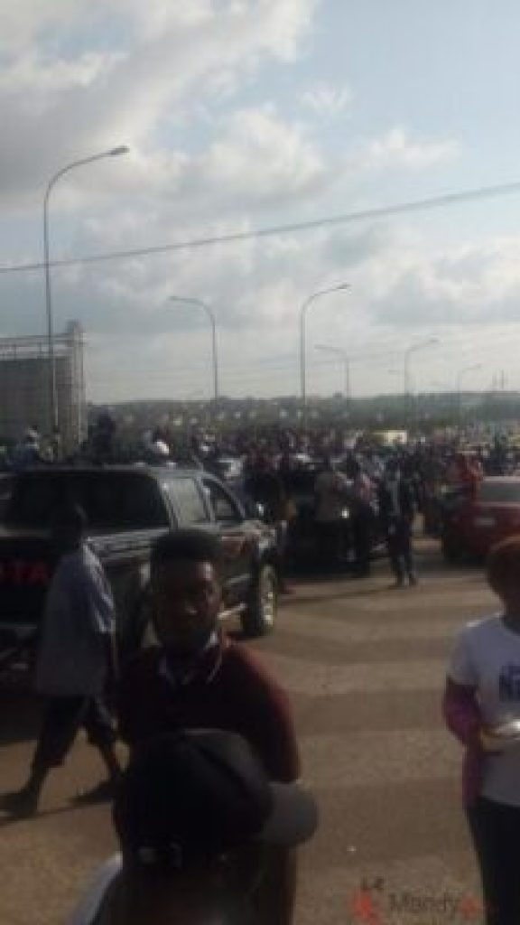 EndSARS Protesters Block Roads In Abuja, Other Areas Of Nigeria