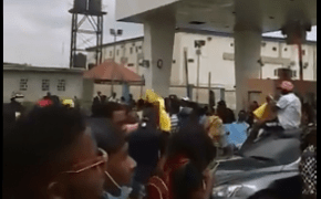 protesters-in-airport