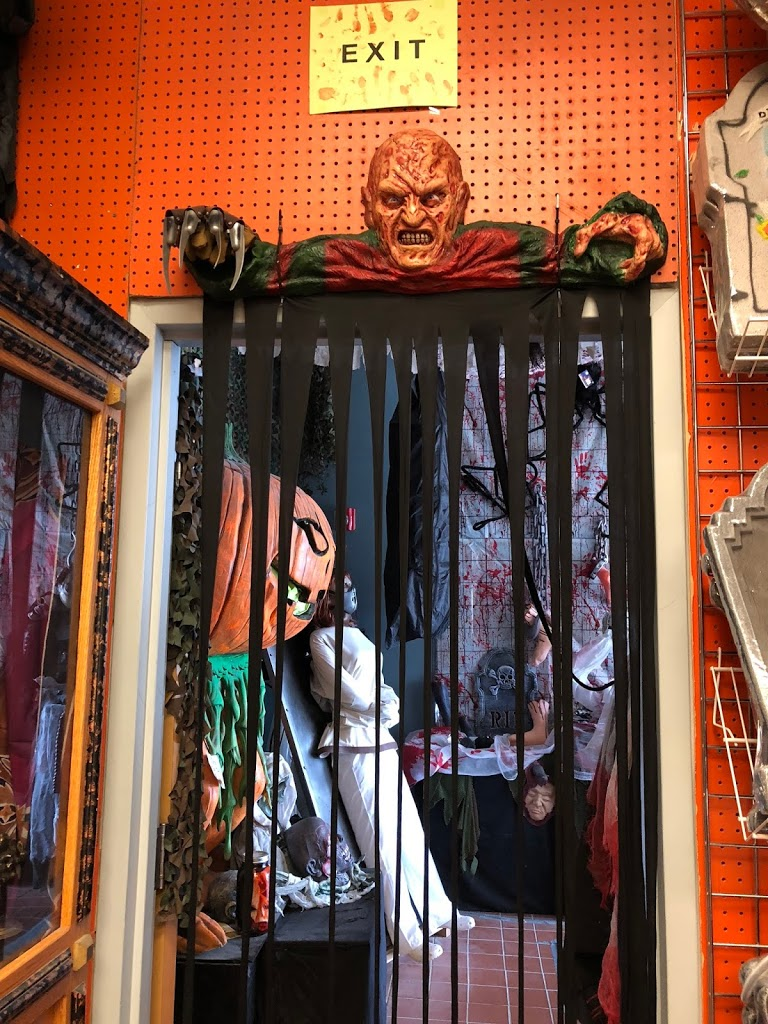 haunted happenings: my trip to the halloween outlet! - mandy's