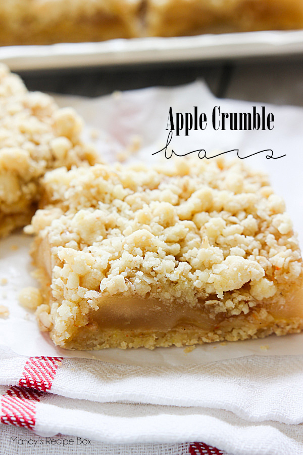 Apple Crumb Bars | mandysrecipeboxblog.com