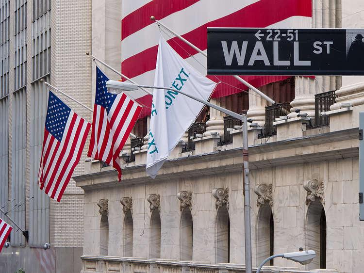 Wall Street vuelve a caer aunque los alcistas llevan la delantera