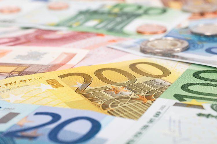 EUR / USD parece deprimido y se acerca a 1.2100, mira a Lagarde, NFP