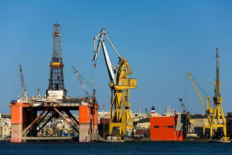 La OPEP + acuerda ceñirse a los planes existentes para aliviar los recortes en la producción de petróleo en junio y julio – Reuters