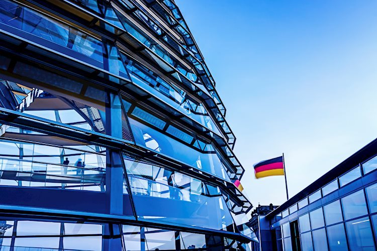 Sin inmutarse por debajo de 1,1750 después de que el clima empresarial de IFO alemán cayera inesperadamente a 98,8 en septiembre