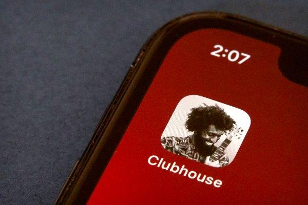 Clubhouse se aventura más allá del audio con Backchannel, una nueva función de mensajería – TechCrunch