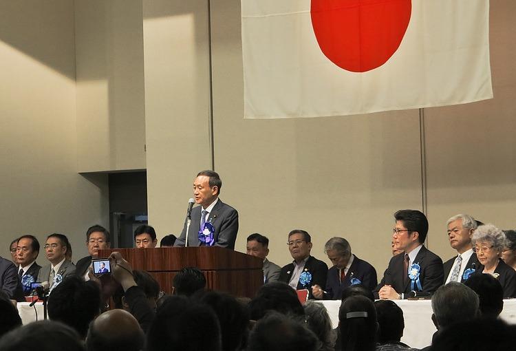 La mayoría de las empresas japonesas quieren que Suga renuncie a pesar de los exitosos Juegos Olímpicos