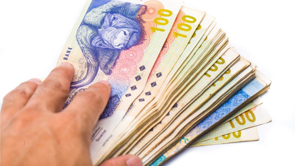 El Banco Central de Sudáfrica advierte a los ciudadanos que no acepten billetes sucios