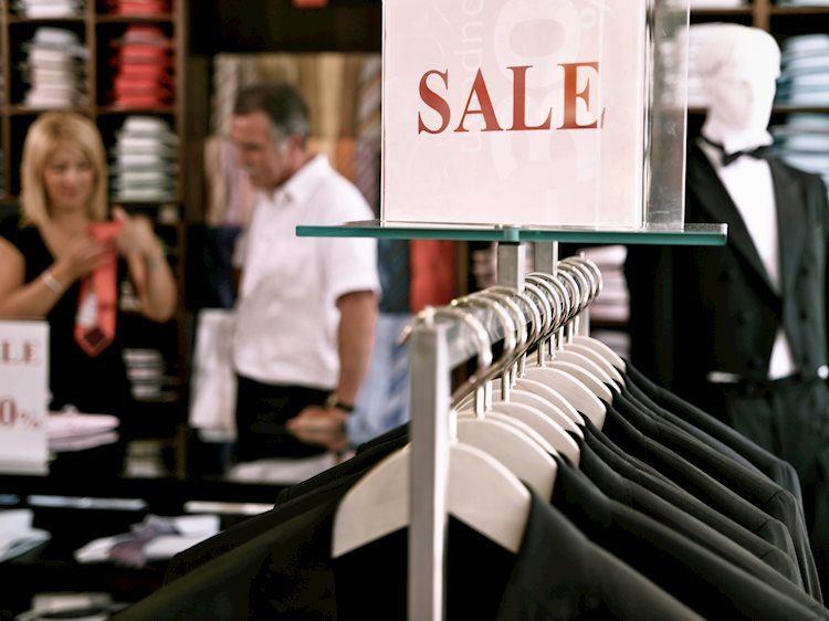 Las ventas minoristas aumentan un 0,6% en junio frente al -0,4% esperado