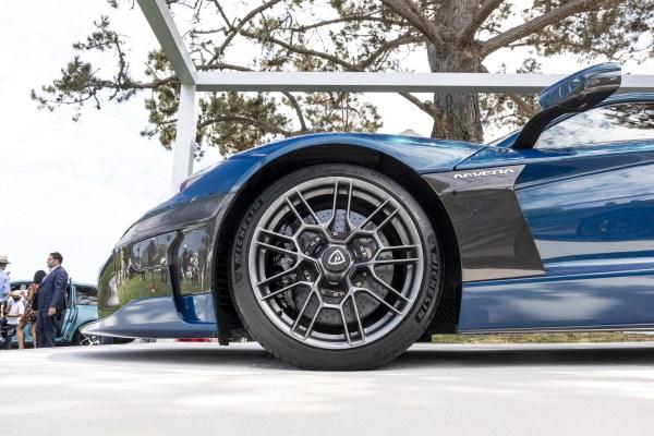 Los fabricantes de automóviles se apresuran a concebir el deseo de lujo y tecnología – TechCrunch