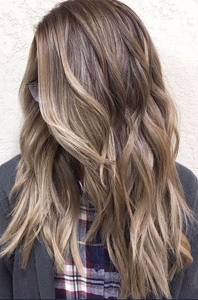 bronde hair color and beachy waves