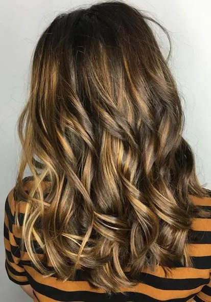 almond-honey-brunette-highlights