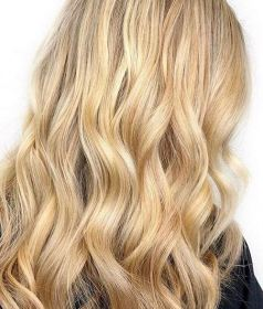 golden and honey blonde highlights