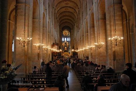 Interior de la Basílica de Saint-Sernin
