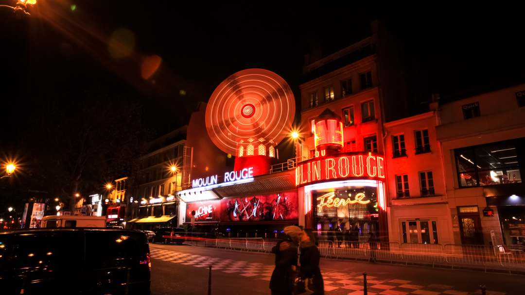 Moulin Rouge by Manemos
