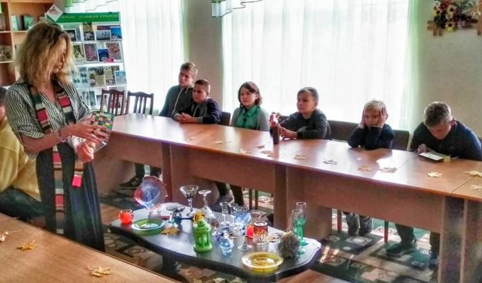 У Маневицькому професійному ліцеї вчили малювати на склі